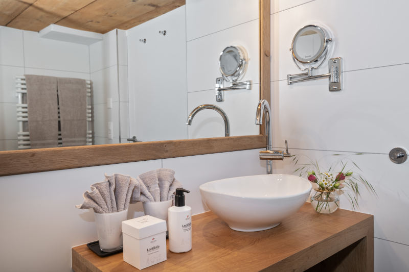 Klassik-Wellness im Appenzell - Boutique Hotel Bären Gonten - Doppelzimmer originell, Bad